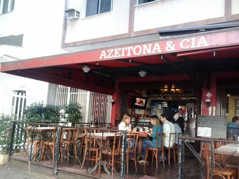 O botequim Azeitona & Cia na rua Dias Ferreira, no Leblon: RIP.